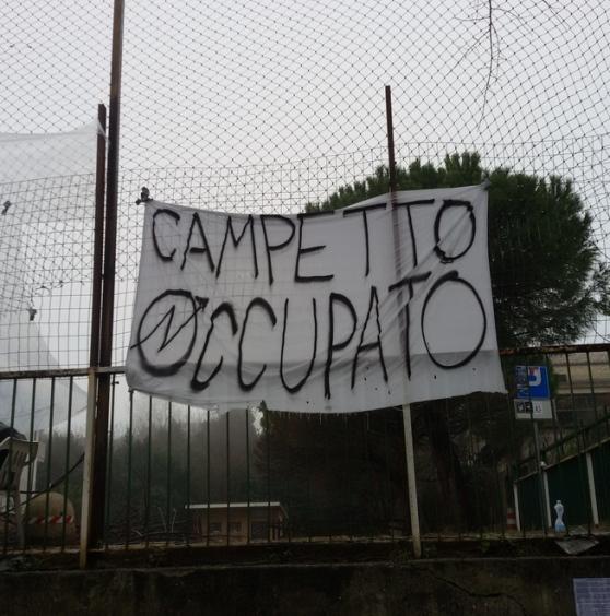 Giulianova: a fuoco il centro sociale dell' Ex Castorani