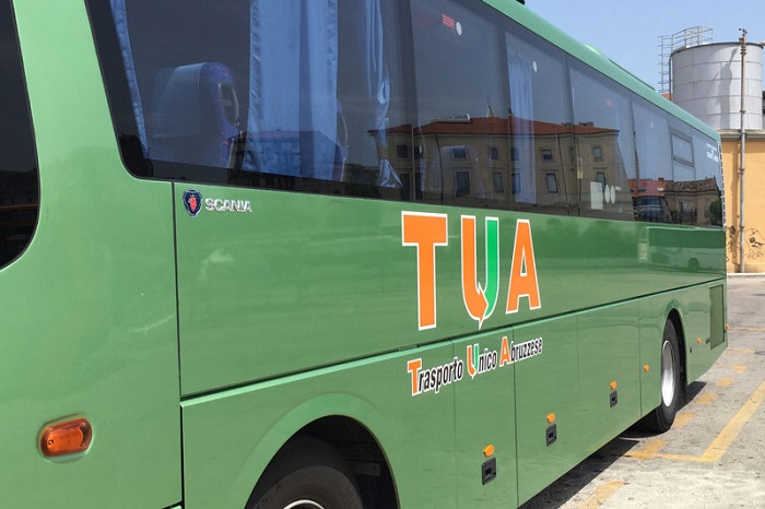 Teramo: tamponamento bus, feriti lievemente passeggeri