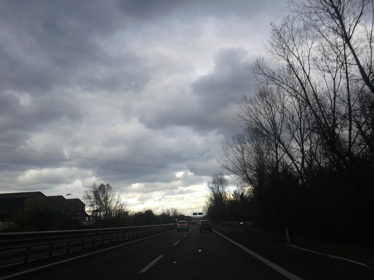 Meteo, oggi piogge e temporali: ecco cosa succederà nei prossimi giorni