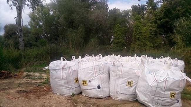 Pescara: lana di vetro ed eternit lungo fiume, multata azienda