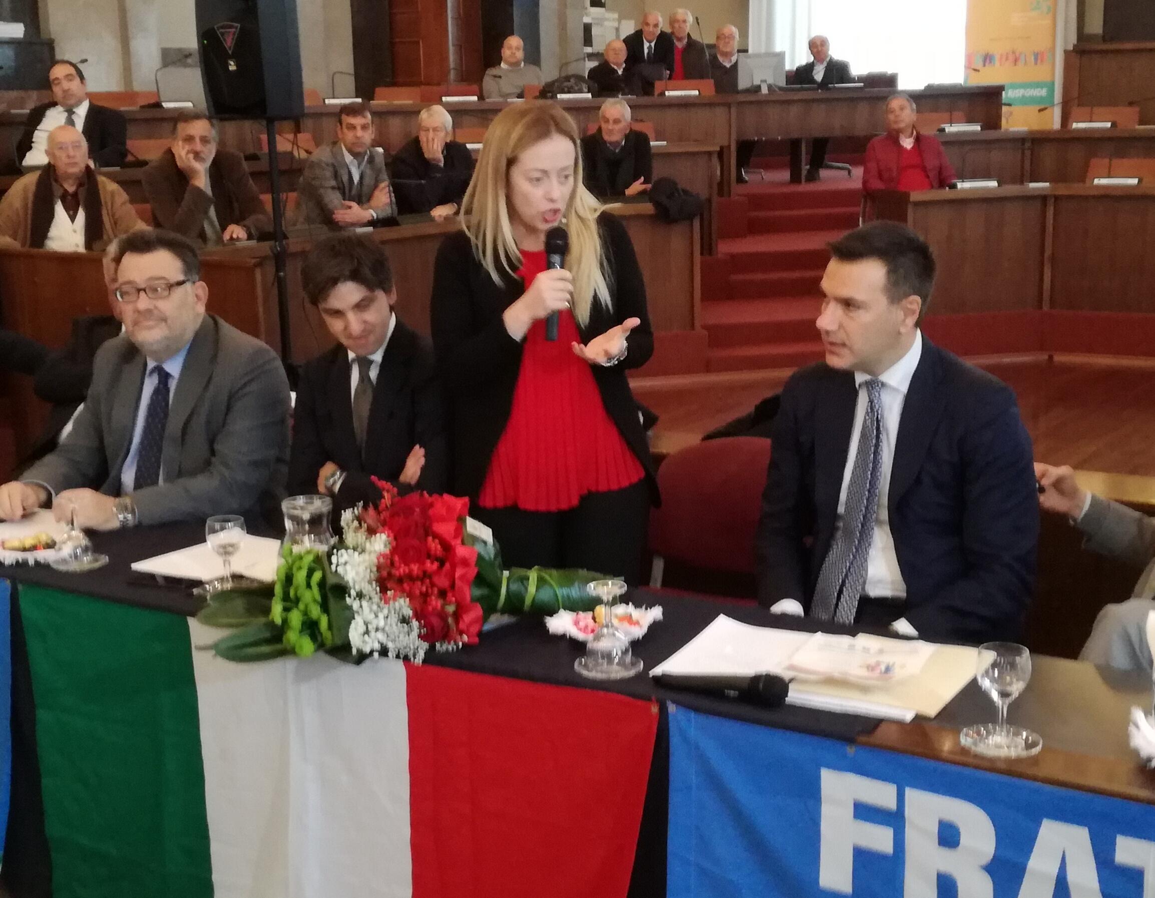 Meloni a Pescara, non a pranzo con Berlusconi