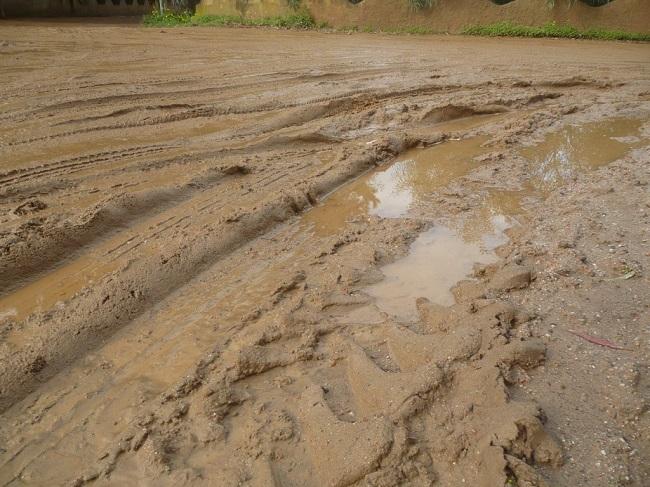 Vasto: fiume di fango sulla pista ciclabile