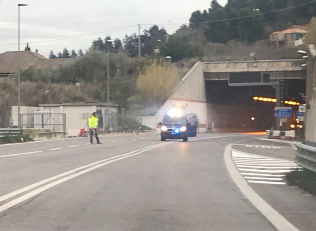 Pescara, incidente nella galleria San Silvestro