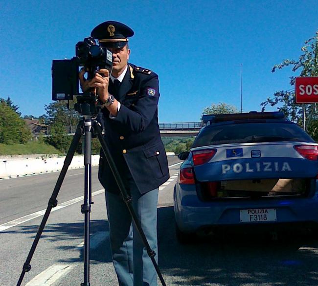 Telelaser sull'A24: beccato a 230Kmh sull'autostrada