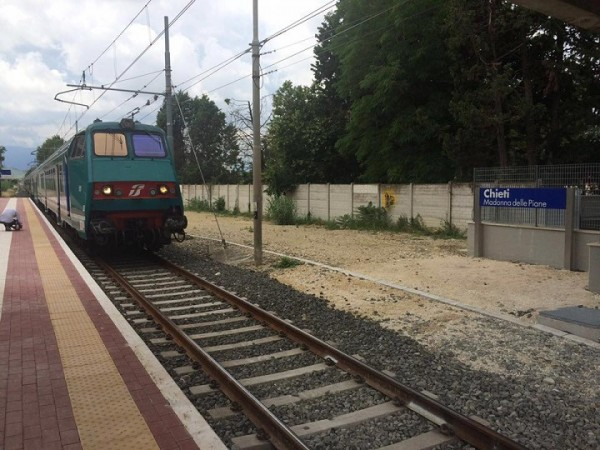 Chieti: atti osceni in treno, bloccato un giovane