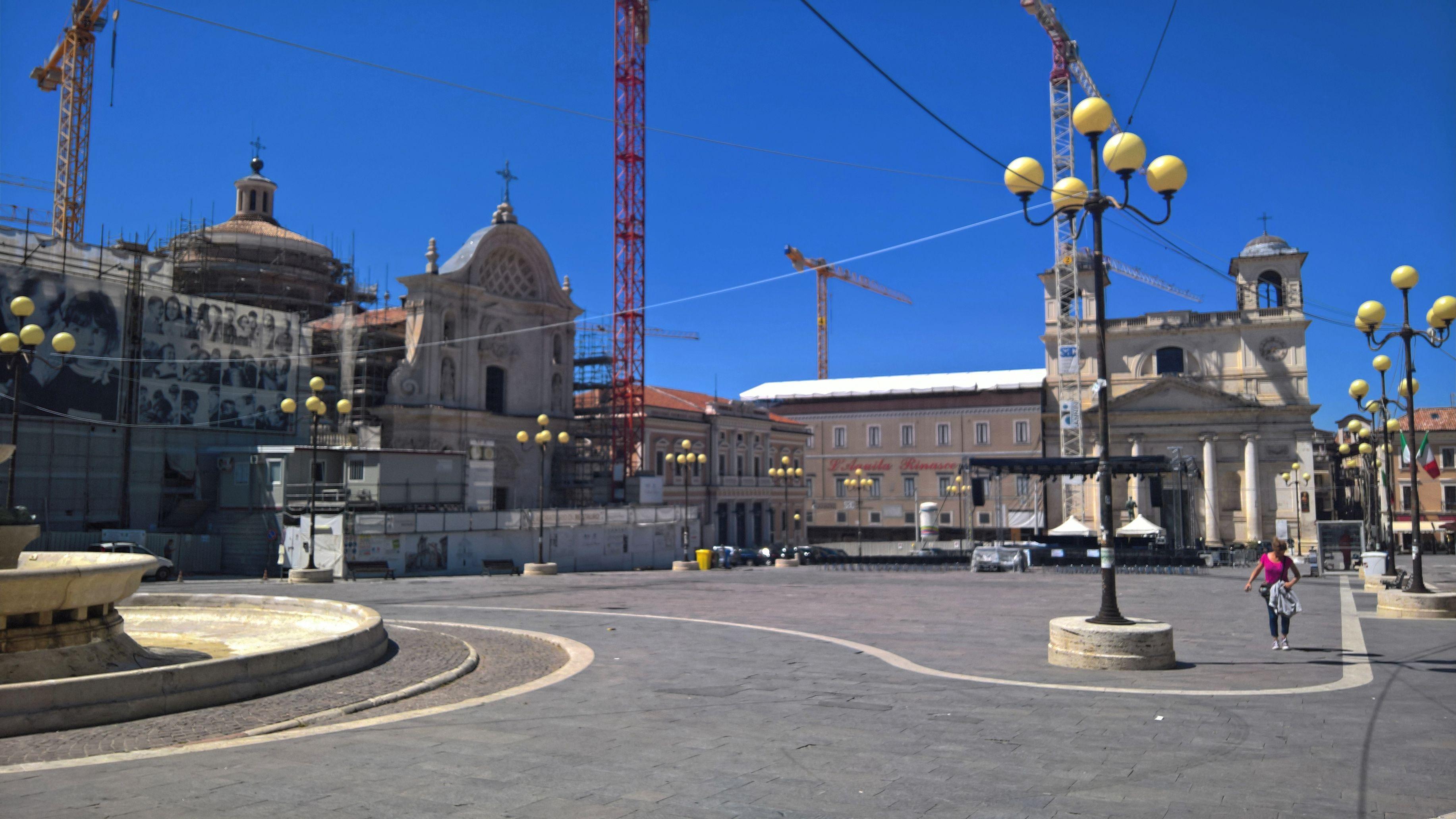 """L'Aquila, bando """"Fare centro"""": le speranze dei commercianti"""