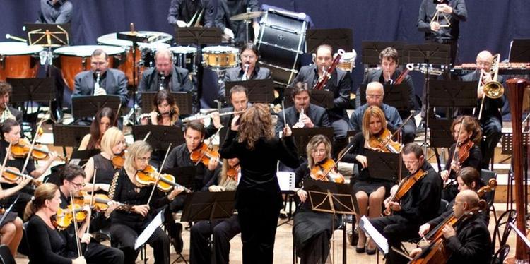 Pescara, l'Orchestra Dean Martin suona per la Porcaro