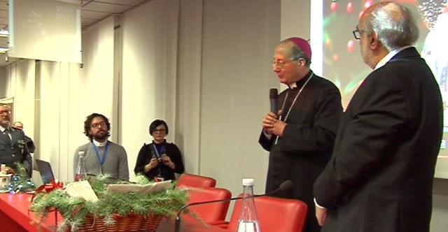Mons. Forte benedice il calendario dell'ANFFAS Chieti