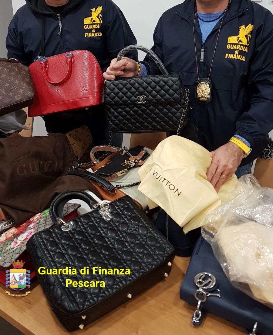 Griffes contraffatte a Pescara: sequestrata merce per 650 mila euro