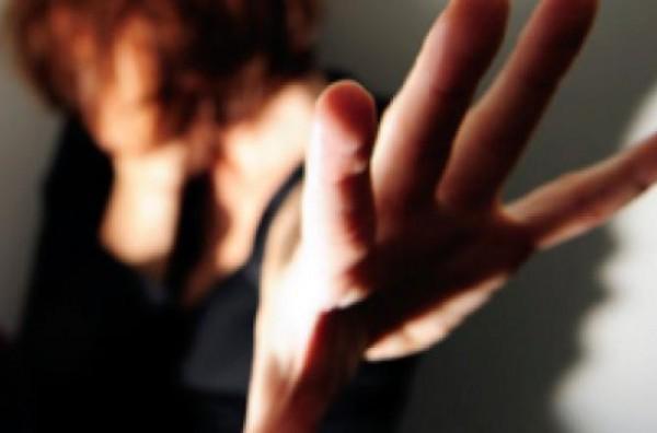 Avezzano: imprenditore stalker picchia la compagna