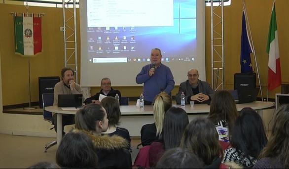 Pescara: incontro al Marconi su musica, testo, immagine