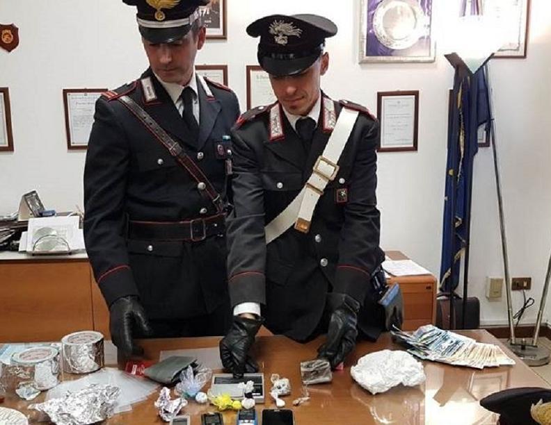 Montesilvano 13 arresti per spaccio di droga for Arresti a poggiomarino per droga