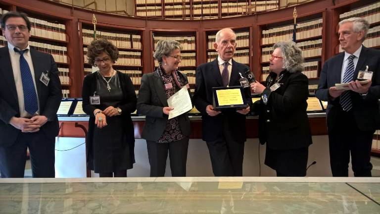 Saverio santamaita premiato alla camera dei deputati rete8 for Biblioteca camera dei deputati