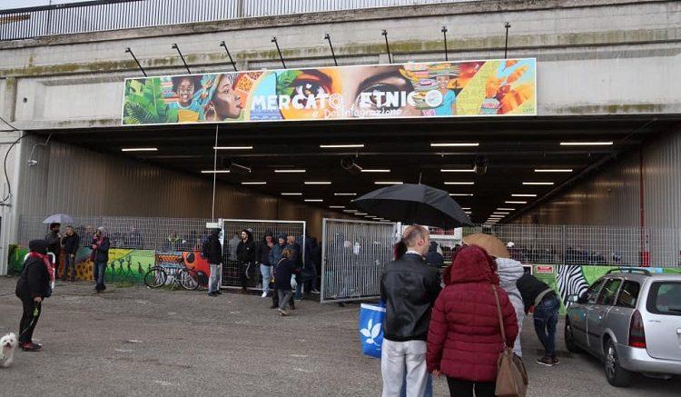 mercato-multietnico1