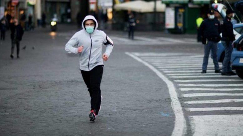 Coronavirus, ecco una nuova ordinanza: sport solo vicino a casa