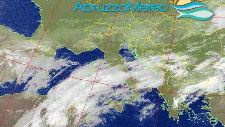 Meteo: nubi, piogge e locali temporali anche oggi, che caldo al sud!